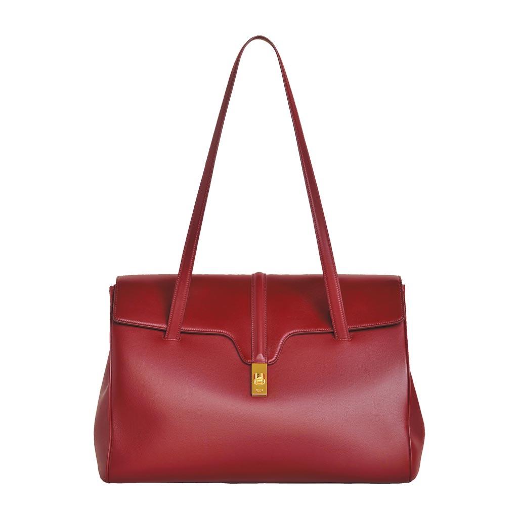 Celine Soft 16酒紅色小牛皮大型肩背包,9萬9000元。(Celine提供)