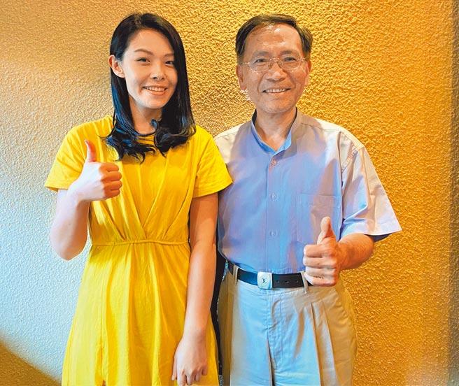 台北市副市長蔡炳坤(右)與民眾黨不分區立委高虹安,頻到台中深耕基層,布局下屆市長、市議員選舉。(盧金足攝)
