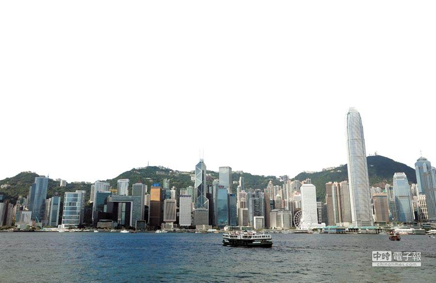 美國參議院25日一致通過「香港自治法案」。(圖為香港中環金融中心的高樓大廈,新華社資料照)