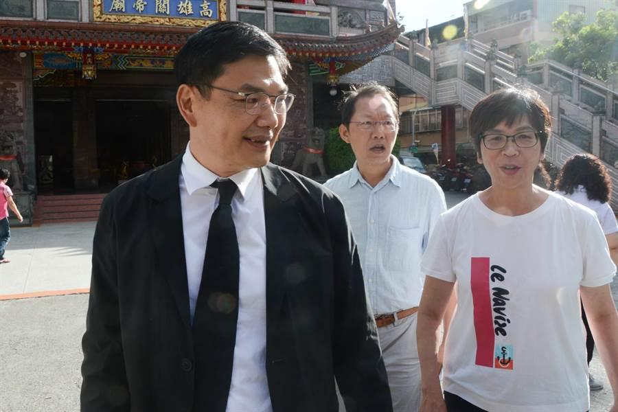吳益政(前)代表民眾黨參加高雄市長補選。(資料照/林宏聰攝)