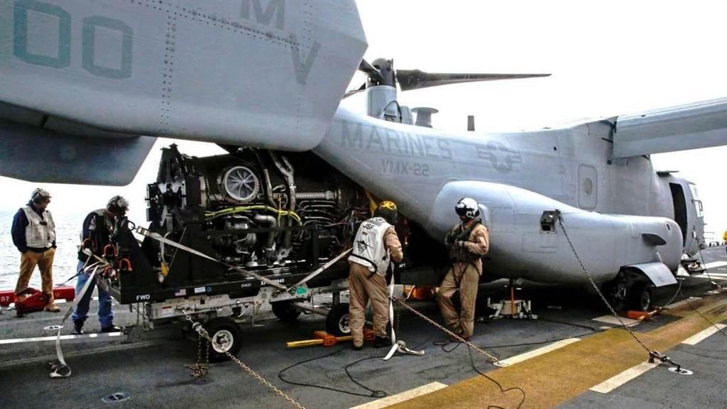 CMV-22實測裝運F135發動機。(圖/美國海軍)