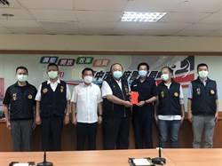台中市警跨縣偵查遭匪開槍受傷 警政署長親自慰問