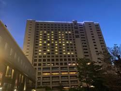 大億麗緻熄燈晚會 房間點燈秀出「BYE」圖形向市民道別