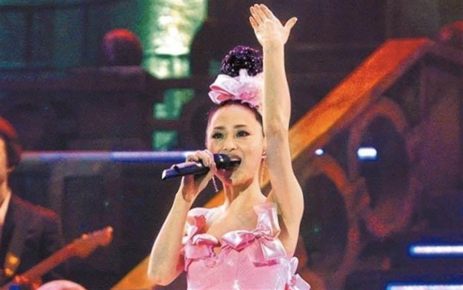 松田聖子2005年在台開唱,一身公主裝獻上動人歌聲。(資料照片)