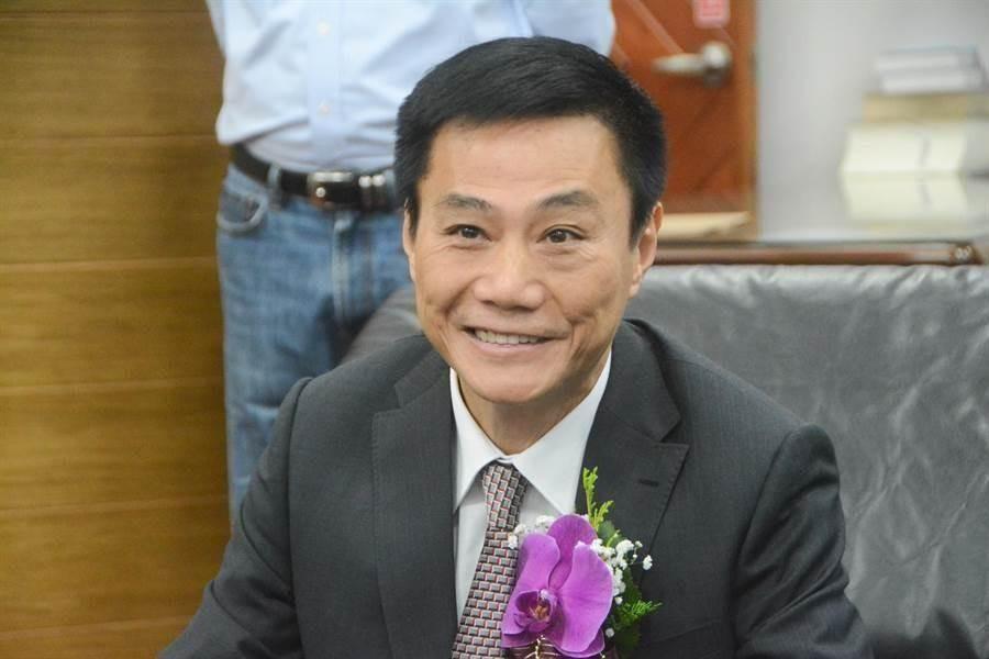 已故高雄市議會議長許崑源(右)。(圖/本報資料照)