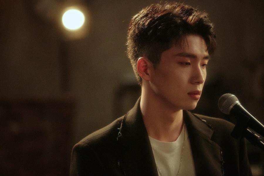 曹楊29日推出新歌〈走散〉。(杰威爾音樂提供)