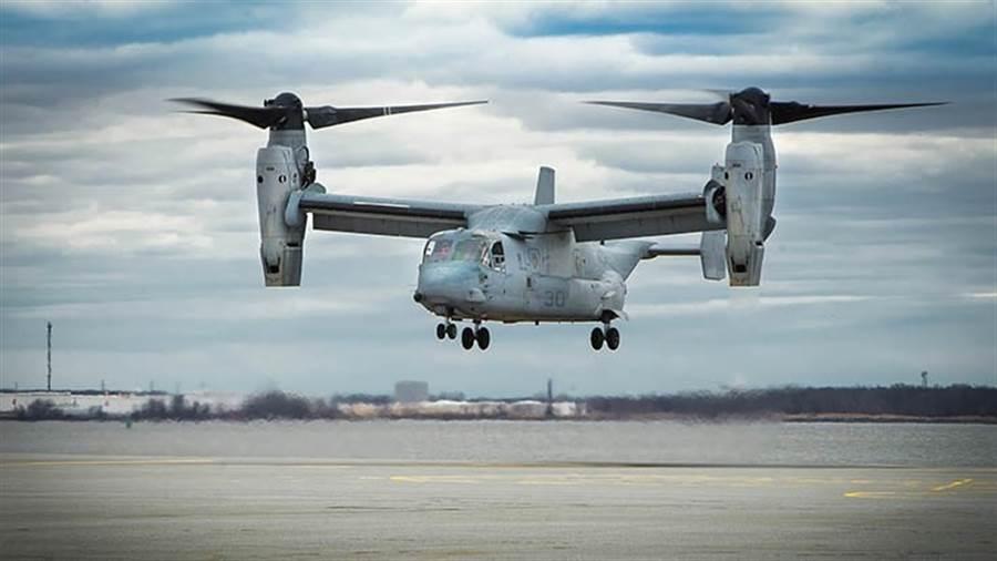陸戰隊的MV-22,與CMV-22最大的外觀差別,就是沒有機身中部的巨大油箱。(圖/美國陸戰隊)