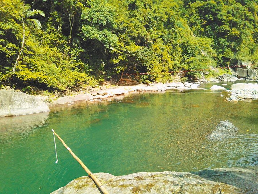 大豹溪是夏日消暑勝地,但要注意只能在安全水域戲水。(新北市消防局提供/葉德正新北傳真)