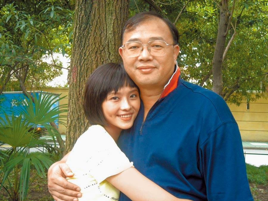 蕭淑慎(左)是父親的掌上明珠。(資料照片)