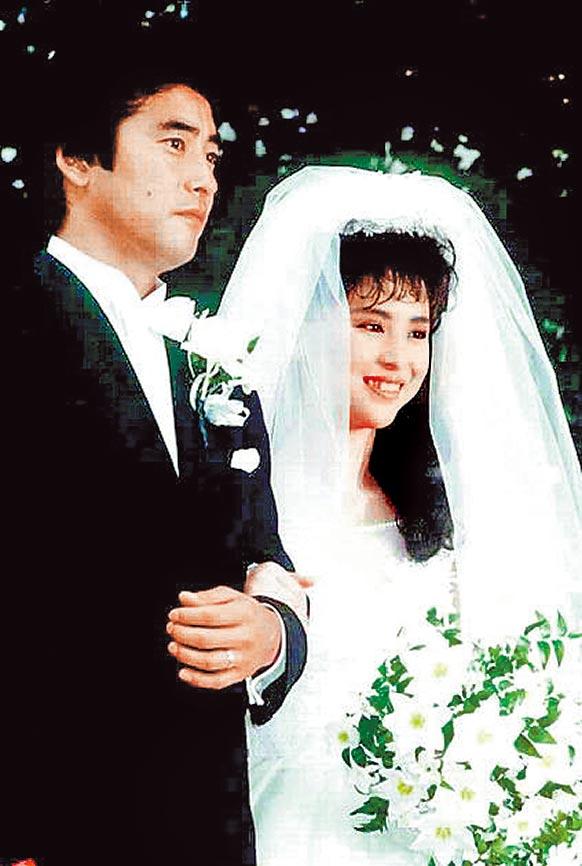 松田聖子(右)與神田正輝婚後仍繼續演藝工作,在當時引起話題。(資料照片)
