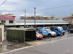 公有停車場設車棚占位 原來是這個原因