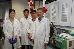 1分鐘快速辨認 成大材料系團隊研發新冠病毒快篩