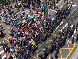 國民黨佔領立院 中正一分局加派百名警管制人車出入