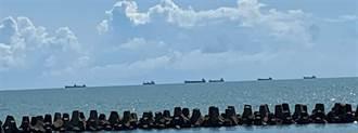 阻漁民生計 商船非法下錨猶如海上長城