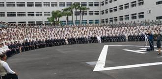 蔡總統頒「國防部防疫英雄紀念獎章」給後備支援防疫官兵