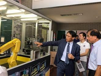 無人咖啡廳不是夢!機器手臂完成咖啡點餐與製作 聖約翰科大將申請專利