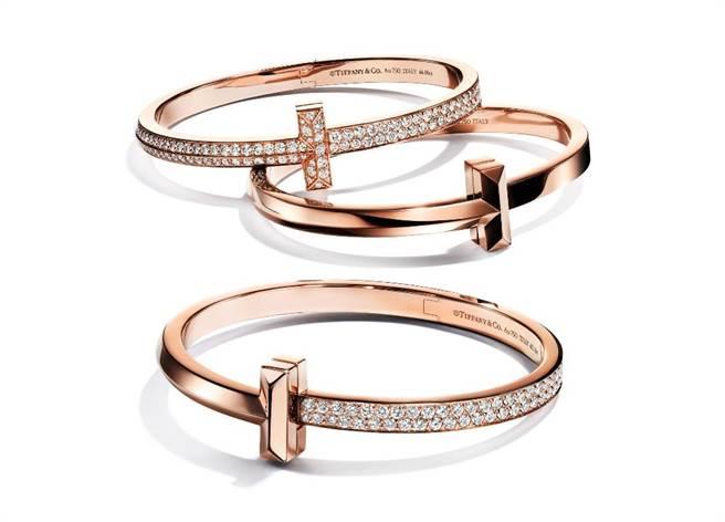 Tiffany T1 18K玫瑰金寬版手環,99萬、18萬7000元、60萬(由上而下)。(Tiffany & Co.提供)