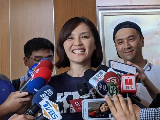 侯友宜說自己是「細漢仔」,李眉蓁29日受訪時不好意思地說「我才是細漢仔」。(曹明正攝)