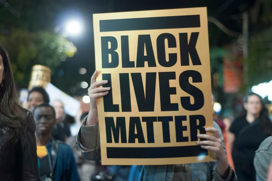 【新聞多益】BLM全球聲援!抗議英文怎麼說?(示意圖/達志影像)