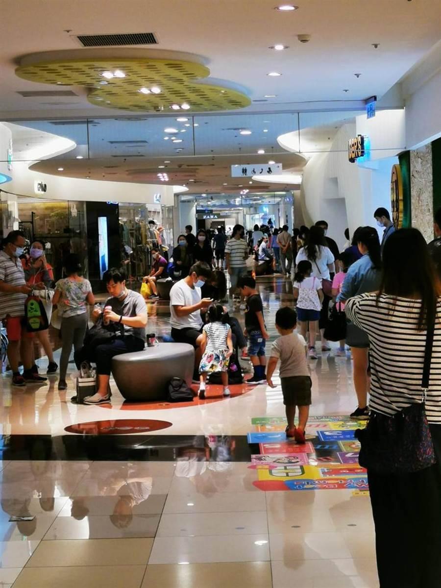 大江購物中心以大桃園家庭客為主,超過50家餐飲吸客是最大優勢。圖/大江購物中心提供