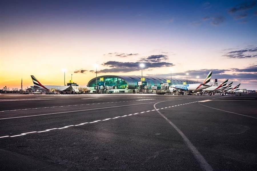 (杜拜解封!阿聯酋航空承載國際旅客重返杜拜。圖/阿聯酋航空提供)