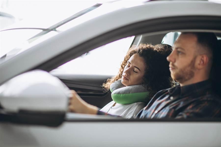 開車最討厭副駕做什麼?網答案一面倒(示意圖/達志影像)
