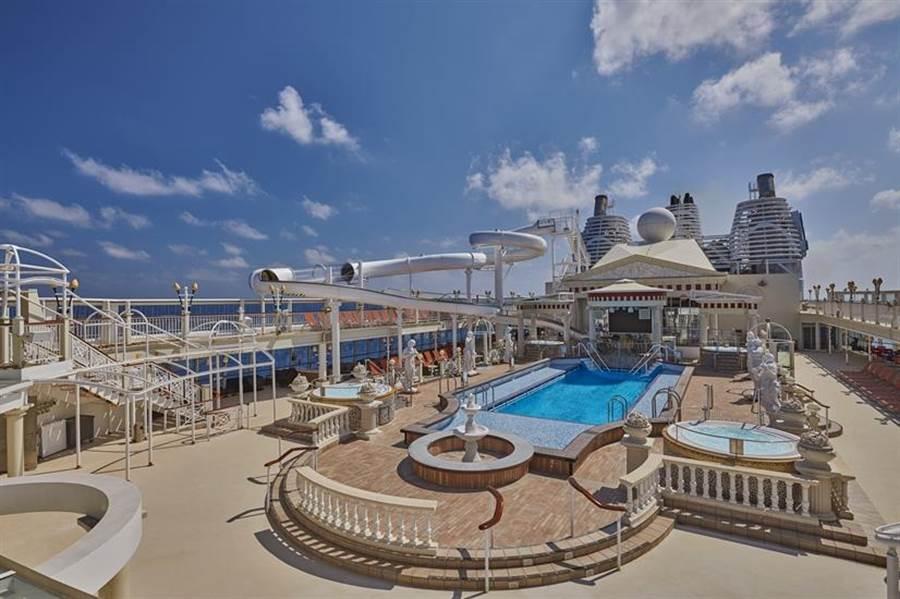 國際郵輪「探索夢號」的船上設施,提供不一樣的海上遊體驗。(雄獅集團提供)