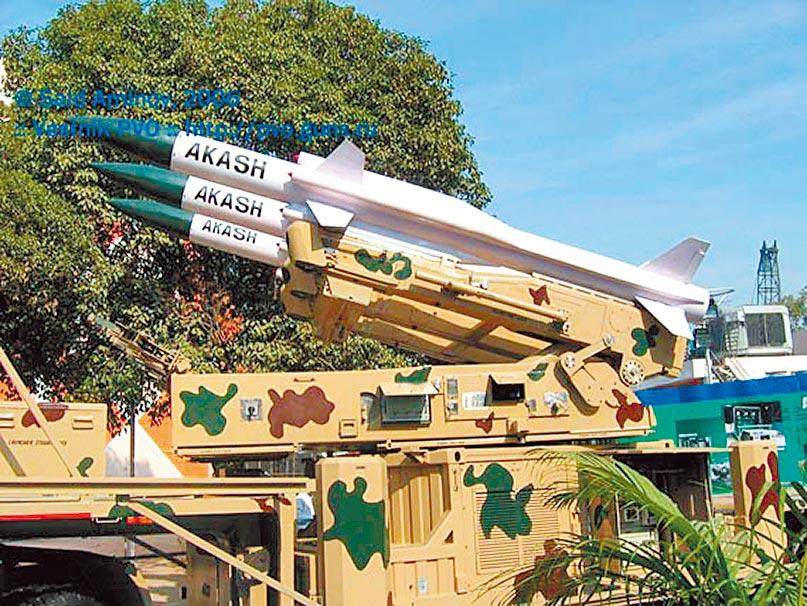 印度國產阿卡什防空飛彈最大射程25公里。(取自新浪網)