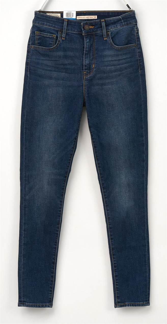 SOGO忠孝館Levi's女cool涼窄管褲,3990元。(SOGO提供)