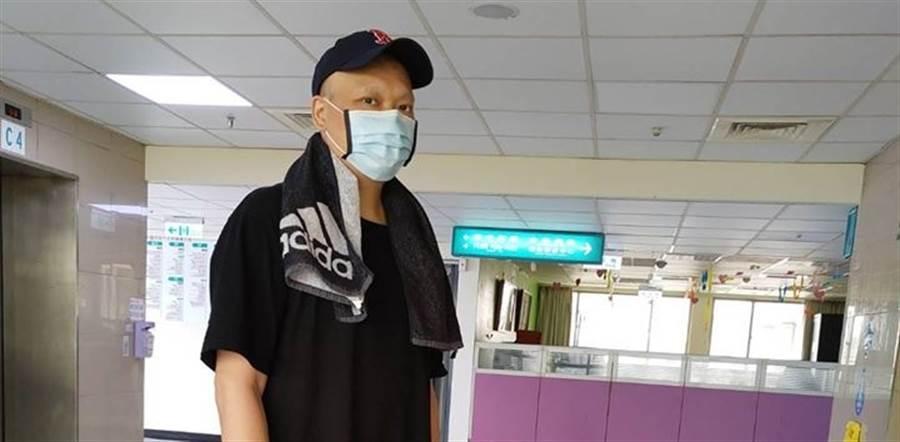 潘忠韋表示,一定會堅強對抗病魔。(取自潘忠韋臉書)
