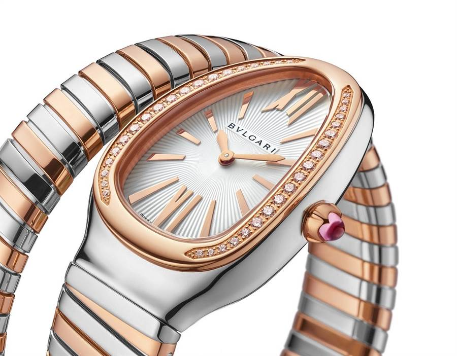 BVLGARI SERPENTI TUBOGAS 玫瑰金精鋼單圈鑲鑽腕錶。(圖/品牌提供)