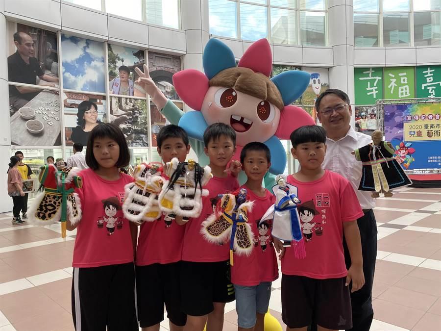 台南市教育局今年暑假首創「2020兒童藝術教育節」,以五藝為主軸推出一系列活動。(曹婷婷攝)
