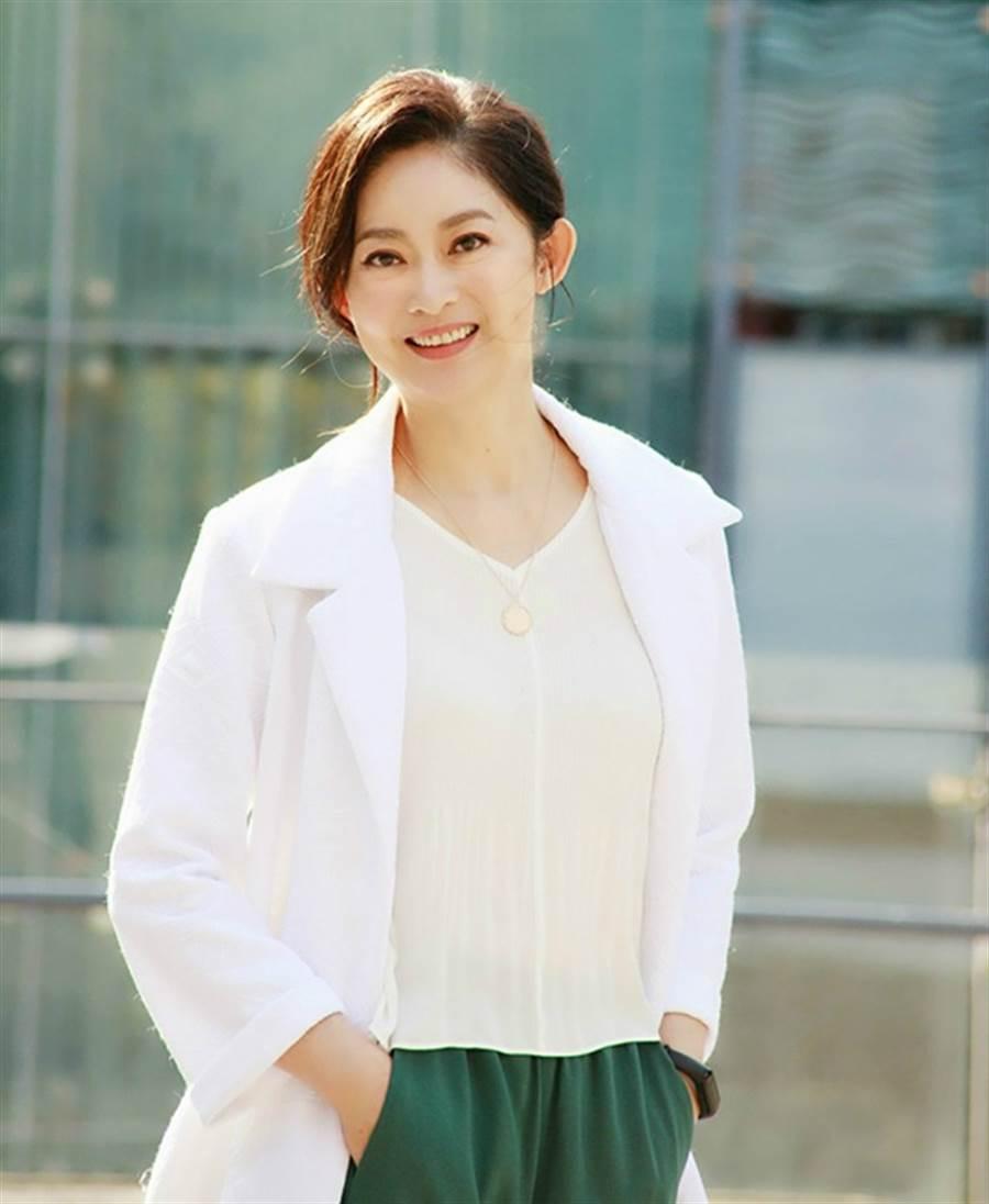 劉瑞琪59歲外型依舊美麗動人。(圖/FB@劉瑞琪)