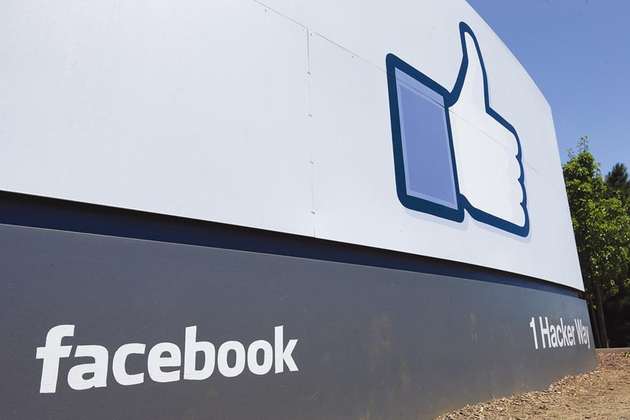 知名企業陸續加入杯葛行列,臉書為了止血立刻承諾將對仇恨言論採取行動。圖/美聯社