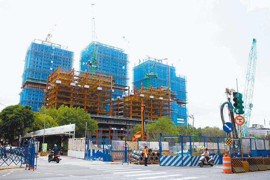 廣慈博愛園區整體開發計畫案正如火如荼興建,遭議員爆出預算編列謬誤。(張立勳攝)
