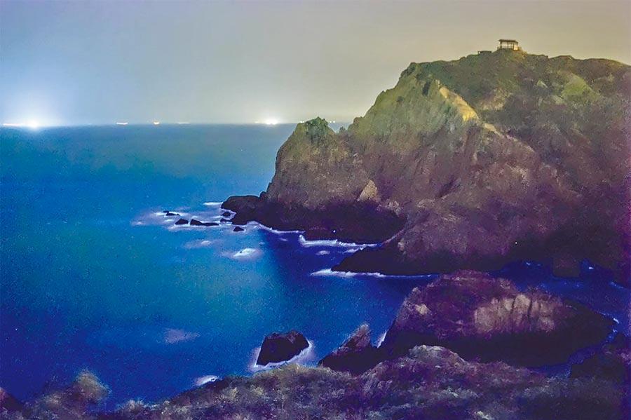 馬祖著名的夢幻景觀「藍眼淚」。(雄獅旅遊提供)