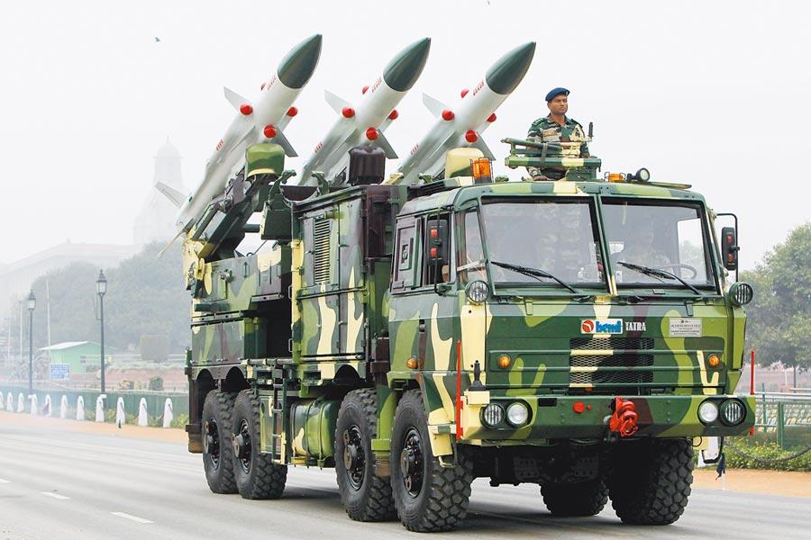 印軍「阿卡什」防空飛彈。(新華社資料照片)