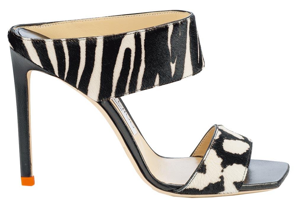Jimmy Choo動物紋高跟露指涼鞋,3萬8800元。(Jimmy Choo提供)