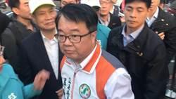 洪孟楷被鎖喉喊告 吳秉叡:藍營強占議場難道不是妨害公務?