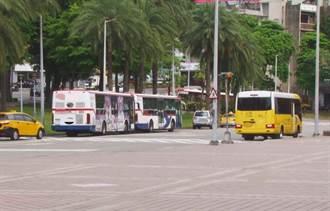 新北公車司機為了準點發車   無奈違停屢遭開罰