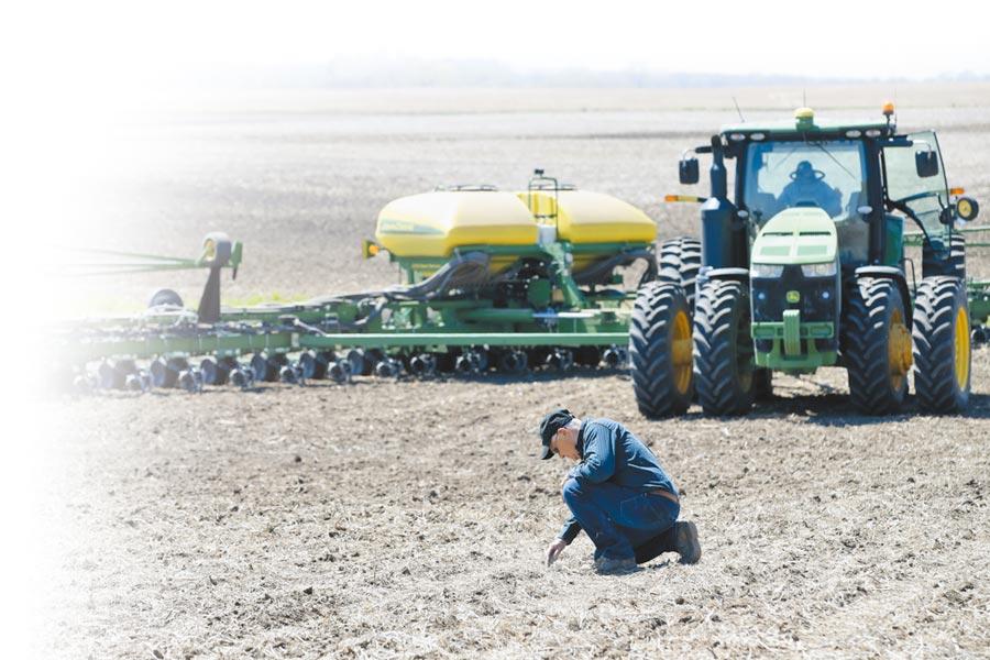 美國愛荷華州大西洋鎮,農場主人盼中美貿易能早日跨過寒冬。(新華社資料照片)