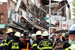 外牆突起驚現大裂縫!紐約3層建物「砰」一聲垮了 瞬間變廢墟