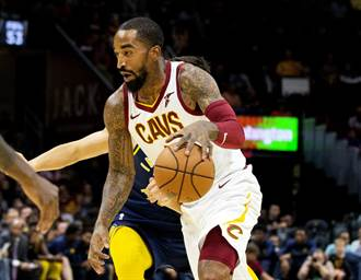 NBA》JR正式跟湖人簽約 詹皇熱烈歡迎