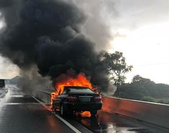 國道3號南下49K三峽段驚傳火燒車 回堵達4公里