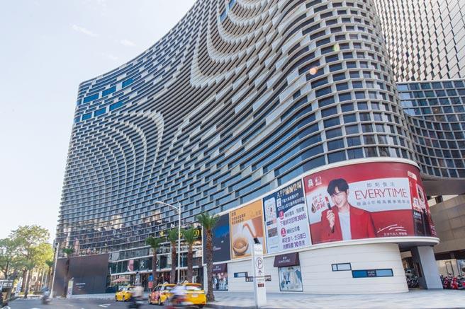 顶级名品设点,汉神大立百货商圈房价涨幅逾三成,区内预售新案「联上铂金」传富豪砸1.5亿置产。图/本报资料照片