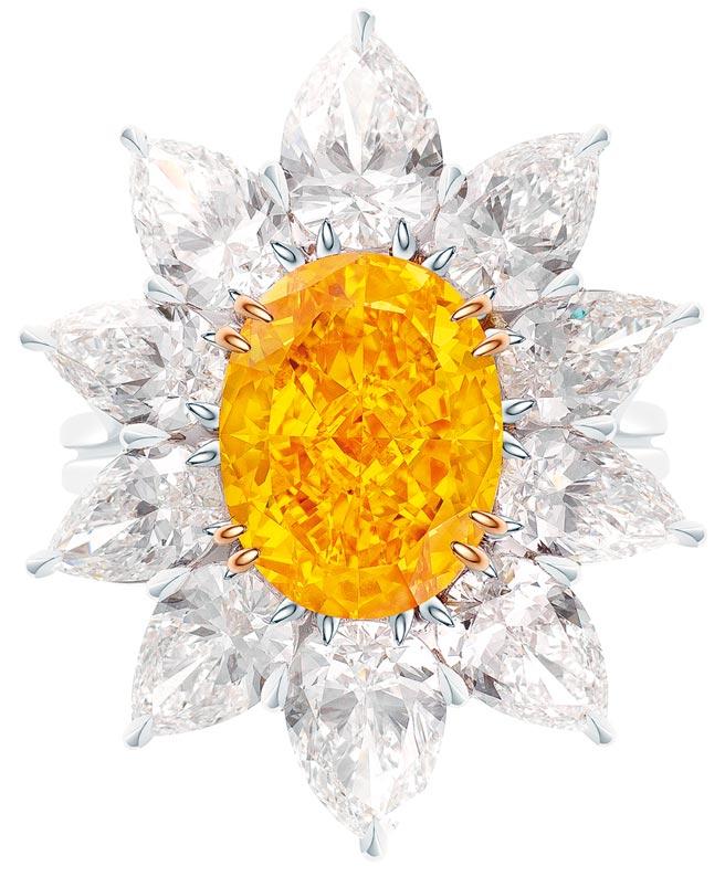 海瑞溫斯頓5.50克拉黃鑽戒指,鑲嵌10顆總重約5.92克拉鑽石,約1億590萬元。(Harry Winston提供)