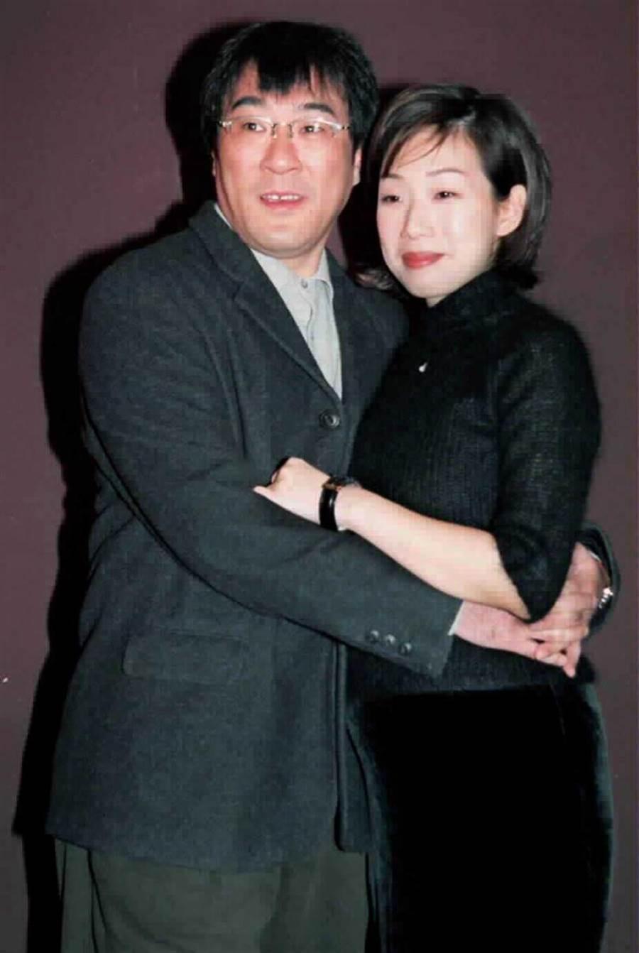 李宗盛和第二任妻子林憶蓮曾合作〈不在乎我是誰〉、〈傷痕〉等多首經典歌曲,但2人撐不過「7年之癢」,最後仍離婚收場。(圖/報系資料照)