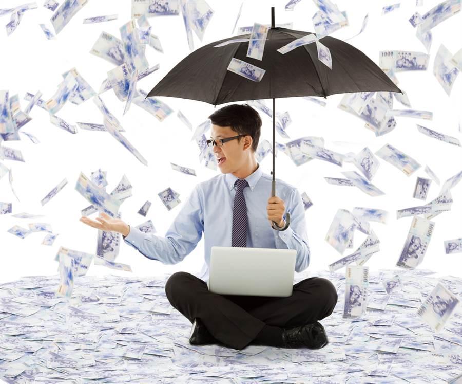 威力彩上看12億!3星座7月財運上升,有機會發橫財。(示意圖/Shutterstock)