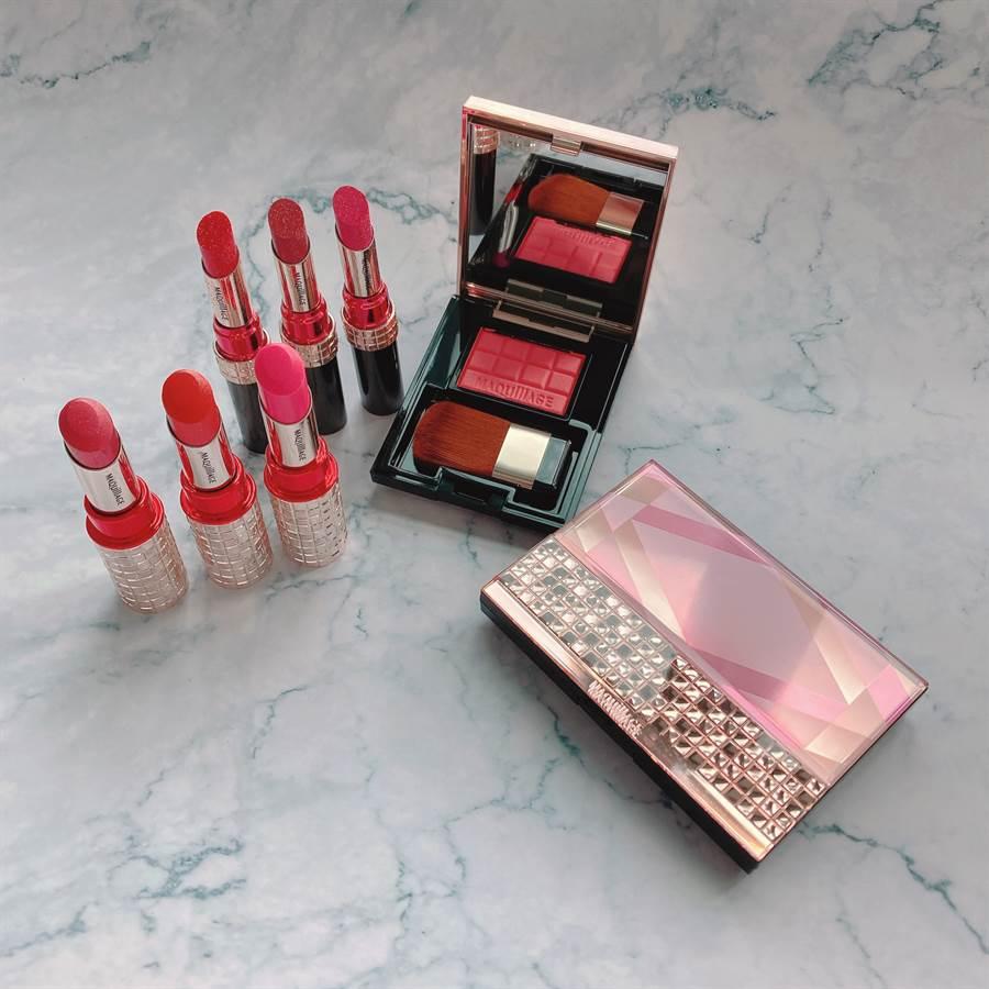 心機彩妝寶石限定夏季彩妝共推出6支唇膏、1款限定粉餅盒組合、1款腮紅組合。(圖/邱映慈攝影)