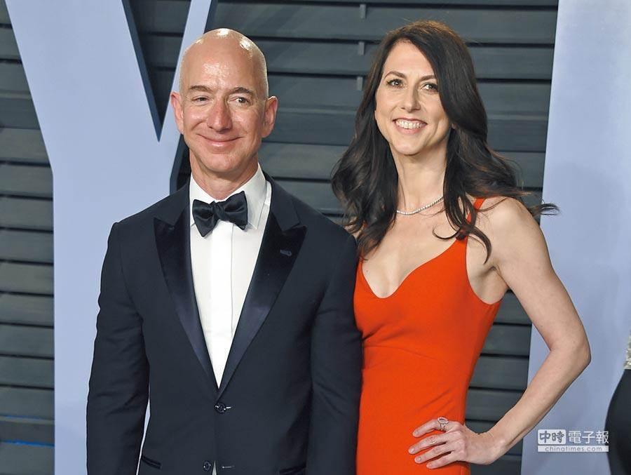 全球首富貝佐斯(Jeff Bezos)和妻子MacKenzie Bezos離婚,付出天價分手費。(美聯社)